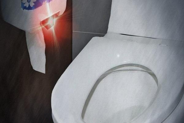 여자화장실에 불법 카메라 설치한 20대 징역 2년 6개월 이미지